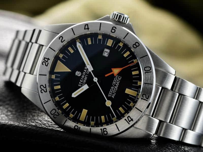 Best gmt watch under 1000 dollars