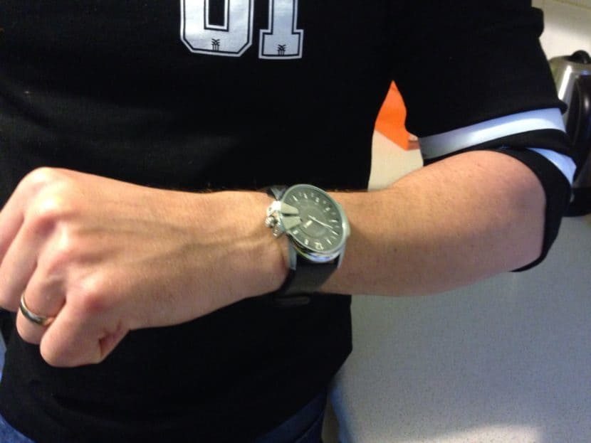 best watches for small wrists - how to get bigger arms and forearms